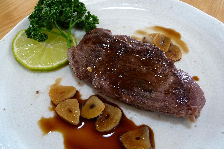 ジビエ料理 鹿肉のステーキ